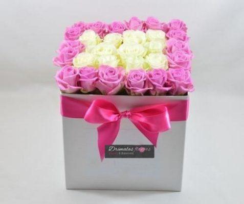 λουλούδια σε κουτιά μέ υπογραφή
